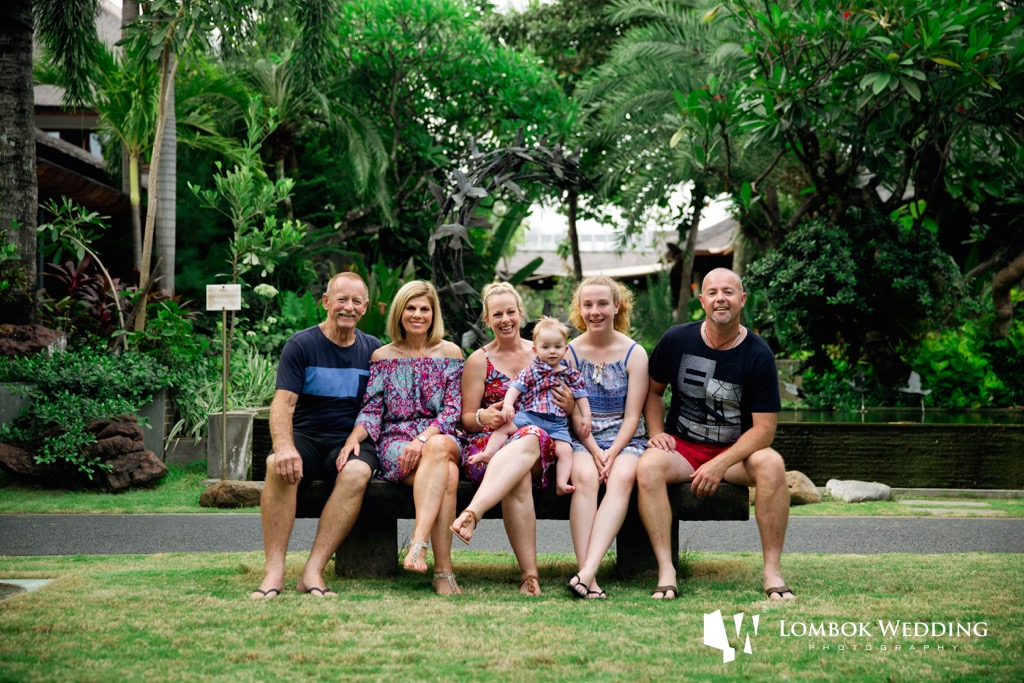 Bali Family Photo of Hearn family at Padma Hotel Bali 02
