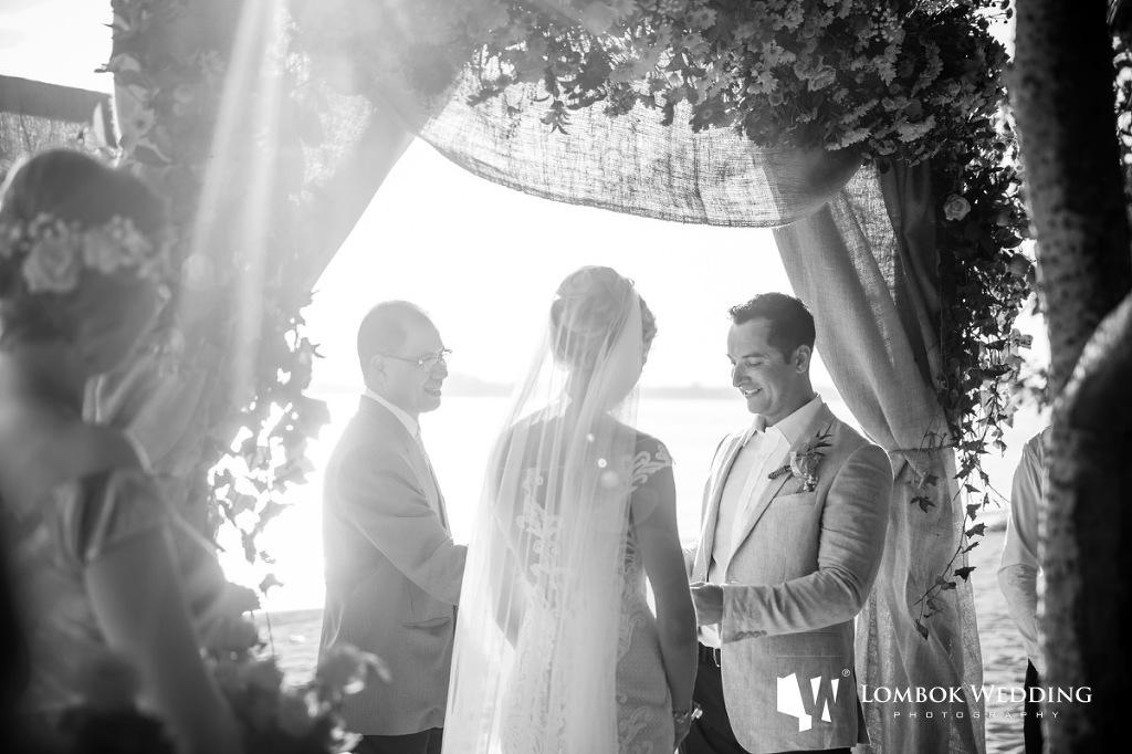 Villa Sepoi Sepoi Lombok Wedding Photographer 030