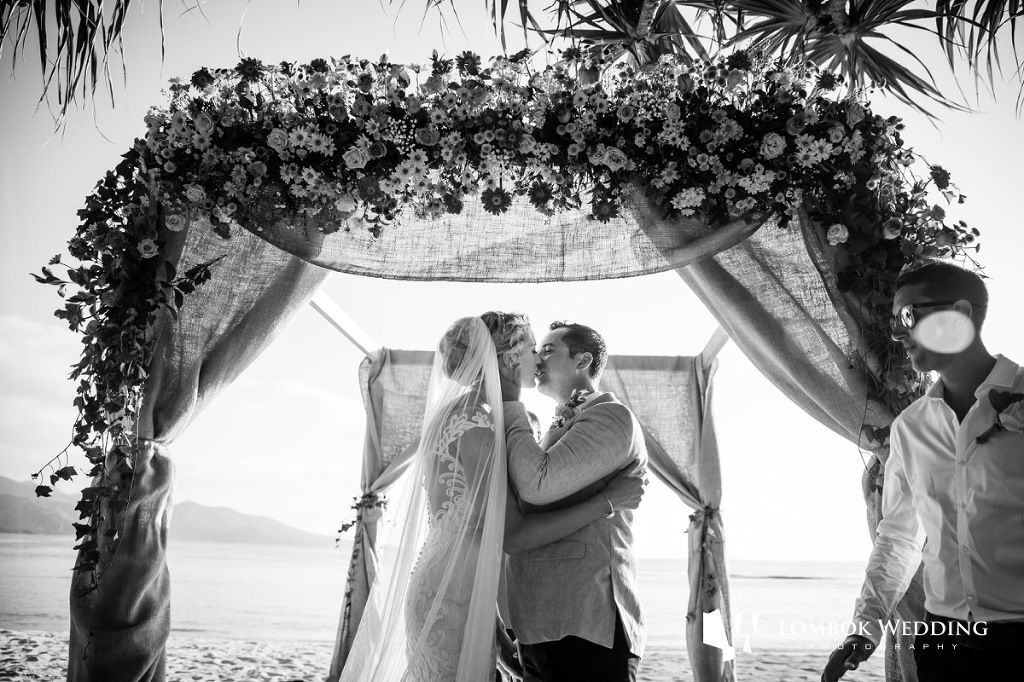 Villa Sepoi Sepoi Lombok Wedding Photographer 040